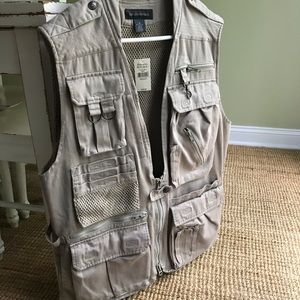 New w/ Tag Banana Republic Safari / Travelers Vest